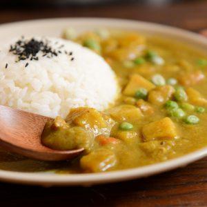 REZEPT: Veganes Kürbis-Curry