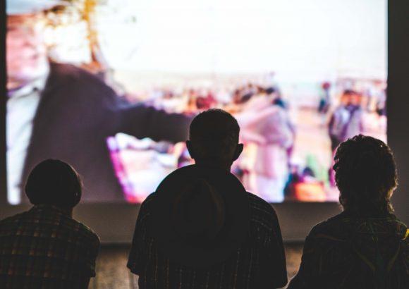 Nachhaltig Filme Schauen – Streamen, DVDs und Alternativen
